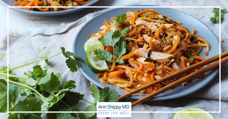 paleo pad thai zucchini noodles zoodles